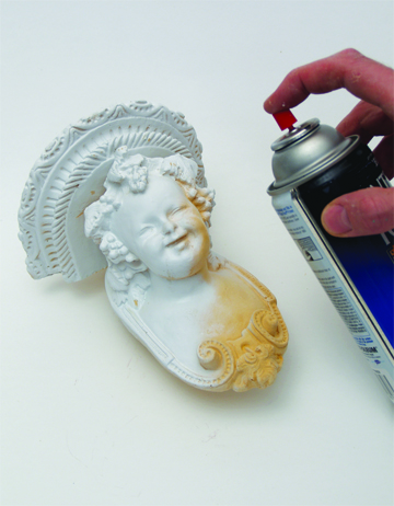 priming object before gold leafing